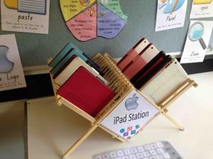 iPad Station 02